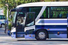 バス型の霊柩車