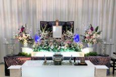 洋花主体の祭壇