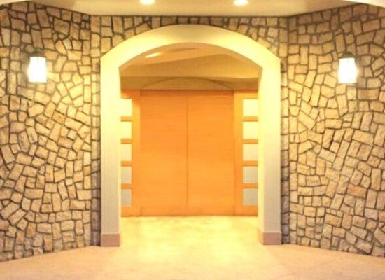 家族葬ホールの入り口玄関