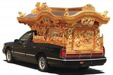 金箔の宮型霊柩車